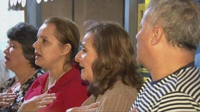 Comunidad colombiana en el sur de la Florida rinde homenaje a las víctimas del atentado en Bogotá