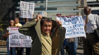 Pagar el aguinaldo a los pensionados en petros: la última idea de Maduro para imponer su moneda digital