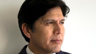 Kevin de León gana el respaldo demócrata y promete impulsar una reforma migratoria en DC