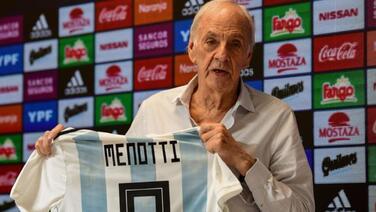 Menotti manifiesta su desacuerdo en que Messi volviera a la Selección de Argentina