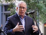 Contralor Scott Stringer, candidato a la alcaldía de NYC, es acusado de abuso y acoso sexual por ex becaria