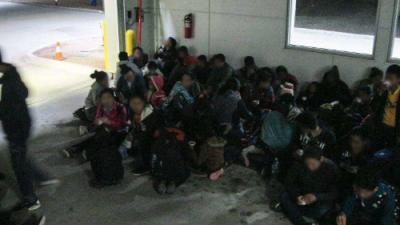Un grupo de 225 centroamericanos fue detenido en la frontera pese a la ofensiva antiinmigratoria de Trump