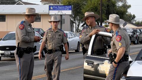 Dos pistolas y un rifle de asalto, las armas que llevaba Devin Kelley para cometer su masacre