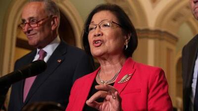 Senadores demócratas presentan proyecto de ley para bloquear la nueva regla de carga pública de Trump