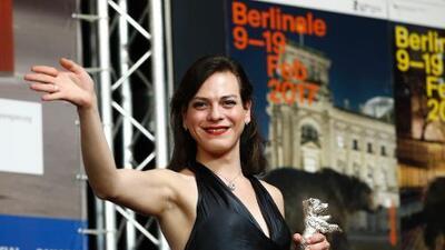 Daniela Vega, la actriz chilena que será la primera mujer transgénero en participar de la ceremonia de los Oscar