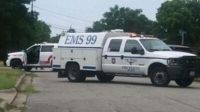 Investigan vivienda de un hombre que saltó de un puente en Fort Worth