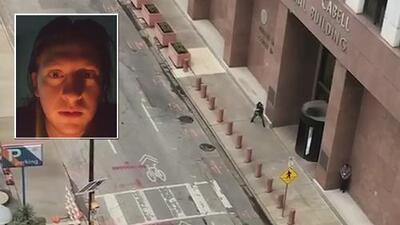Aterradora advertencia: el mensaje que dejó en Facebook el hombre que perpetró un tiroteo en la corte de Dallas