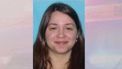 Arrestan a una mujer en Florida acusada del asesinato de su hija de 8 años y su padrastro