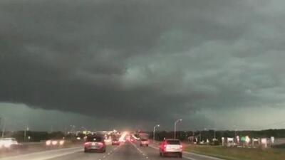 Usuarios en redes sociales captan los peores efectos de las tormentas del fin de semana en Austin