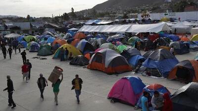 Comunidad en Tijuana rechaza la presencia de migrantes de la caravana que no se mudaron al nuevo albergue