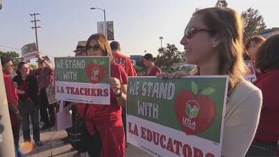 Maestros del Distrito Escolar Unificado de Los Ángeles preparan marcha para exigir mejoras laborales