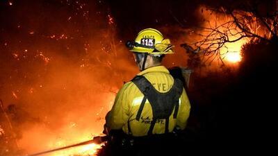 El incendio Thomas no se detiene y se convierte en el segundo más grande en la historia de California