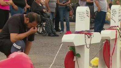 Rinden tributo en el Downtown de Miami a las víctimas de las recientes masacres en EEUU