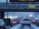 Tráfico intenso por aire y tierra: millones regresan a sus casas tras el asueto de Navidad