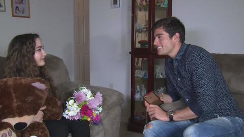 Danilo Carrera le hizo realidad el sueño a una joven fanática sorprendiéndola en su casa