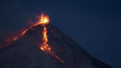 Aumenta actividad volcánica en Colima