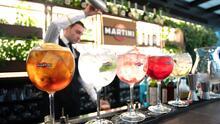 Aprende a preparar un martini para tus reuniones con amigos y familiares