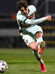 Portugal se impone a Croacia con la mínima durante la Eurocopa de la UEFA Sub-21. Fábio Vieira anotó el gol de la victoria al minuto 68 del encuentro. Los lusos enfrentarán a Inglaterra el domingo 28 de marzo, mientras que los croatas se medirán ante Suiza en el Grupo D.
