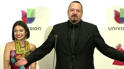 """Pepe Aguilar le saca una risita nerviosa a su hija Angela al confesar lo que le provoca ser """"un papá celoso"""""""