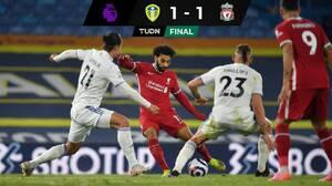 Liverpool empata ante Leeds en un juego con ambiente turbulento