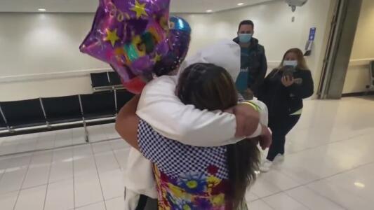 La travesía de un joven que cruzó la frontera para ver a su madre tras 17 años