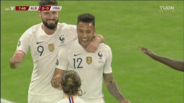 ¡Cabezazo imparable! Tolisso pone en ventaja a Francia 1-0