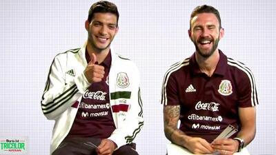 #TodoEsCulpaDeLayún: Raúl Jiménez no le pudo 'amagar' a las divertidas preguntas de su amigo del Tri