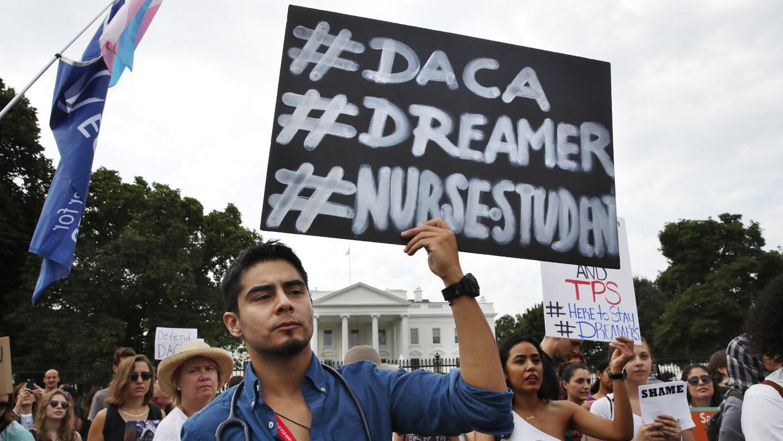 El gobierno elabora nuevo reglamento de DACA para proteger a unos 700000 dreamers