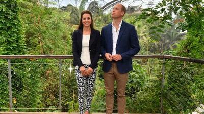 Kate Middleton presume de sus pantalones de 25 dólares