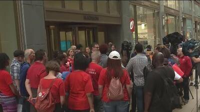 Sindicato de maestros de Chicago rechaza aumento del 16% de su salario y anuncia posible huelga