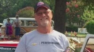 Familiares del bombero retirado desaparecido ofrecen recompensa de 25,000 por información de su paradero