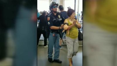 Al menos 20 personas fallecieron y 26 resultaron heridas en un tiroteo en centro comercial de El Paso, TX.