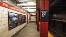 Le dan botellazo en al cabeza a turista colombiana en el subway