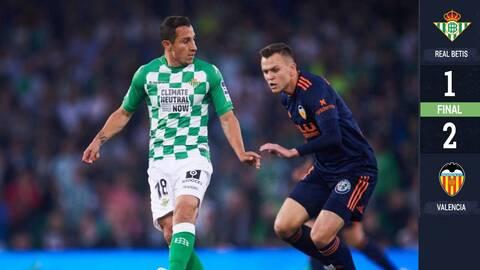 Con regreso de Lainez, no le alcanza al Betis y cae 2-1 ante el Valencia
