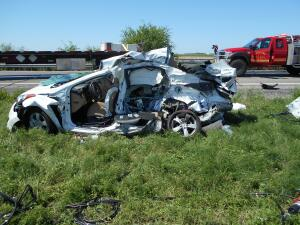 3 adolescentes de Houston mueren en accidente en autopista US 77