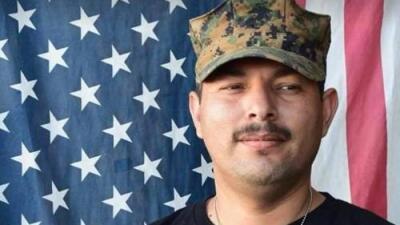"""""""No pierdan la fe"""": 19 años después de su deportación a México un veterano regresa a EEUU"""