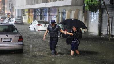 Aunque el huracán Rosa se ha debilitado, piden a la comunidad no confiarse y tomar precauciones