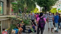 Cubanos que viven en EEUU no podrán utilizar dólares cuando viajen a la isla