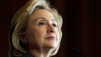 Clinton compara argumentos de Putin con los de Hitler