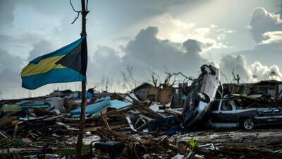 MLB hace donativo a Bahamas en el Día de Roberto Clemente