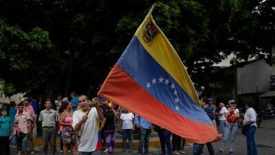 """""""Una situación absolutamente precaria"""": análisis de un experto a la crisis social, económica y política en VenezuelaAl Punto Florida"""