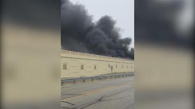 Video capta explosión de un camión en Wisconsin que dejó a dos personas muertas
