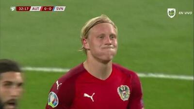Bojan Jokic saca de banda y pone el balón en juego