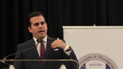"""""""Indignación y humillación, se burlaban hasta de los cadáveres"""": boricuas de Miami reaccionan al escándalo de Roselló"""