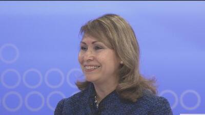 La cónsul Remedios Gómez Arnau habla de los servicios que ofrece el consulado de México en San Francisco