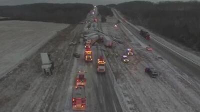 Ocho accidentes y un atasco interminable: el infierno que una nevada provocó en una autopista