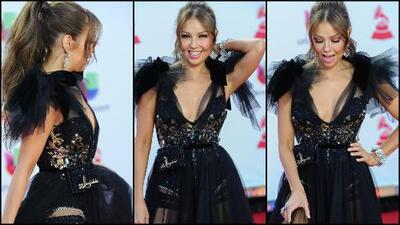 Solo Thalía podía hacerlo: llevó un 'fanny pack' sobre un vestido de gala (y lució increíble)