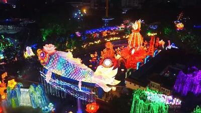 Las increíbles linternas que iluminan el cielo para dar la bienvenida al Año Nuevo Lunar chino