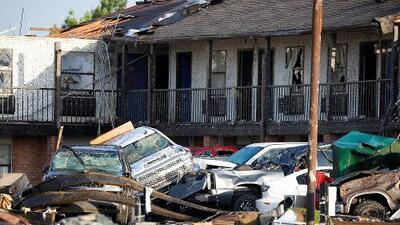 Las imágenes de los destrozos tras el paso de un tornado que deja 2 muertos en Oklahoma