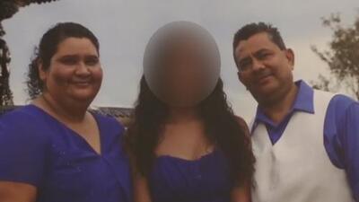 Una familia rota por la política migratoria: el padre fue deportado y la madre fue arrestada por ICE